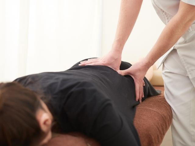 身体に負担をかけない優しい施術で全身のバランスを整えます